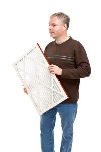 man-carrying-air-filter-for-ac